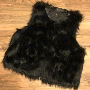 Mossimo Black Faux Fur Vest L